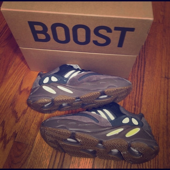 Ready Stock Adidas Yeezy Boost 700 Mauve sneakers running shoes Original new